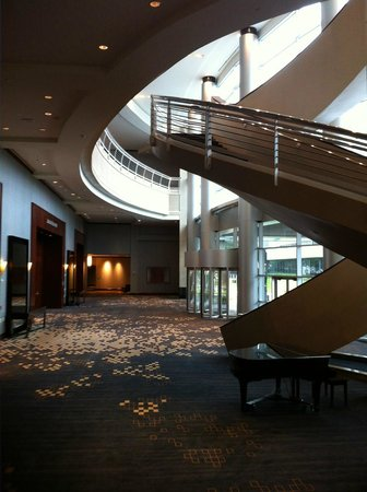 Royal Sonesta Houston Galleria: Stairs in the meeting and convention areas