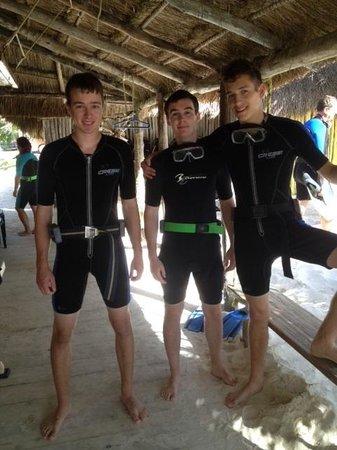 Bahia Divers: The boy's discovering scuba