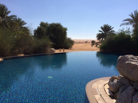 Al Maha, A Luxury Collection Desert Resort & Spa: Main pool