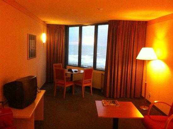NH Zandvoort: Gezellige zithoek met prachtig uitzicht