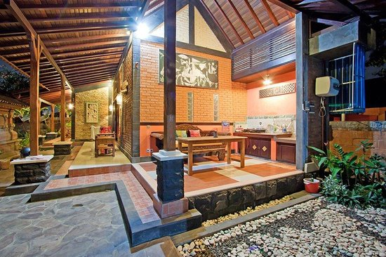 Puri Rama Homestay: Living Area