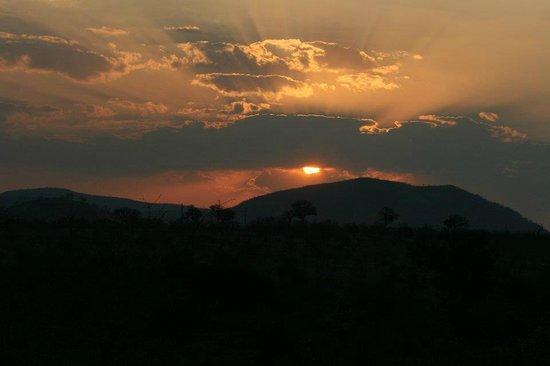 Khandizwe River Lodge : Sunset