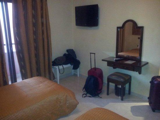Amani Hôtel Appart : habitación doble