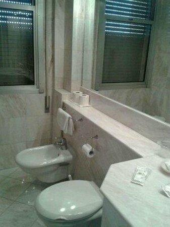 Hotel Terme Internazionale: bagno. forno