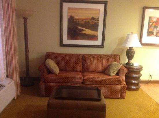 Homewood Suites Bentonville - Rogers : comfortable safa bed