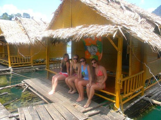 Keeree Warin Chiewlarn Resort : Our hut!