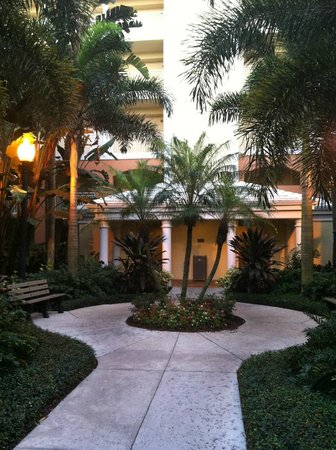 Hilton Grand Vacations at Tuscany Village: Beautiful landscape