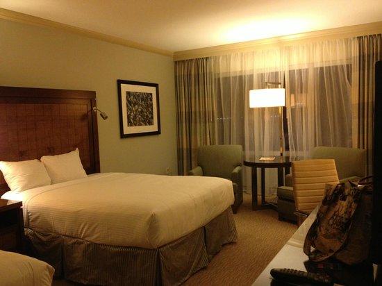 Hyatt Regency Orlando : Looking into the room