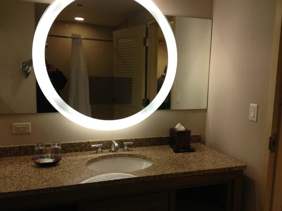Hyatt Regency Orlando : Mirror in the bathroom -- with TV inside