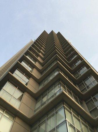Sathorn Vista, Bangkok - Marriott Executive Apartments : Looking up