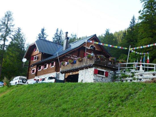 Rifugio Alpino Luigi Zacchi: dal sentiero del lago