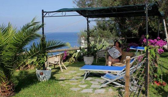 Hotel  Providence Terme & Spa : un angolo speciale del giardino mediterraneo