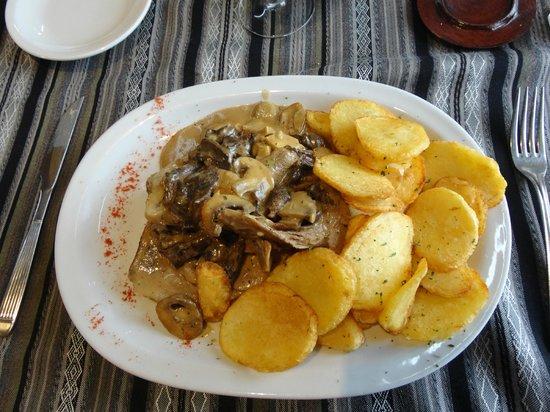 Parrilla Mi Viejo: Cordeiro patagônico Mi Viejo