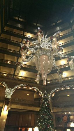 The Brown Palace Hotel and Spa, Autograph Collection: Holiday Decorations in the Atrium