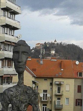 Augarten Art Hotel: Blick von der Terrasse des Hotels