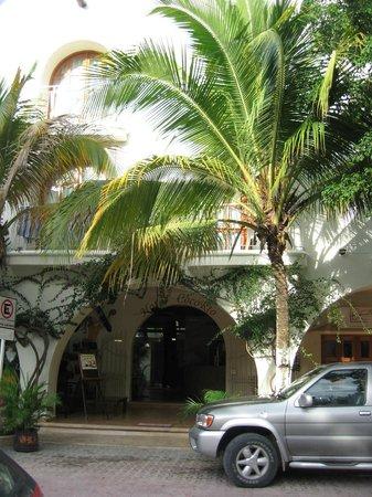 Coco Rio Playa del Carmen: Italian Family owned hotel
