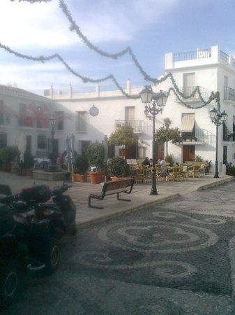 Taberna del Sacristán: plaza iglesia.