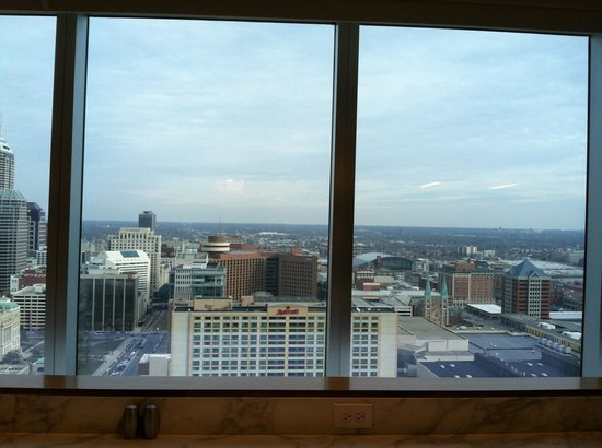 JW Marriott Indianapolis: View from lounge and similar to room view