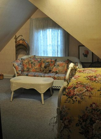 A Painted Lady Inn : The 'Guest' room - angled ceiling adds to the room's charm