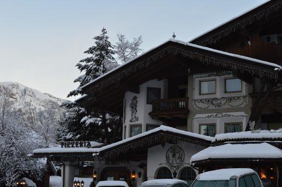 Sport Hotel Majare': Visuale parziale esterna