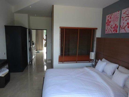 Lanta Sport Resort: room 110