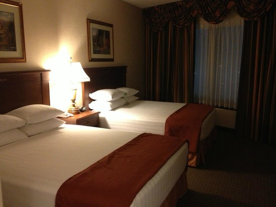 Drury Plaza Hotel St. Louis Chesterfield: Really comfortable beds