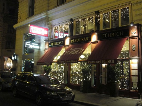 Restaurant Fuehrich: Outside during the New Year holidays