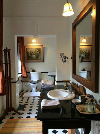 Jetwing Warwick Gardens: Bathroom