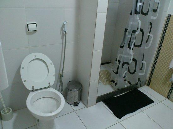 Meiai Hostel : Banheiro