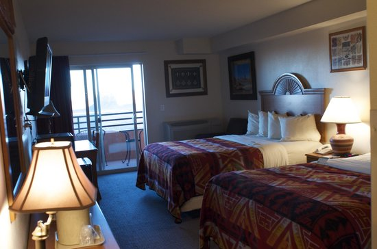 The View Hotel: The View - Room 225/226