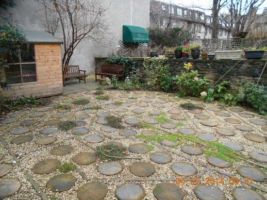 Emmaus House, Edinburgh SCIO : The Garden