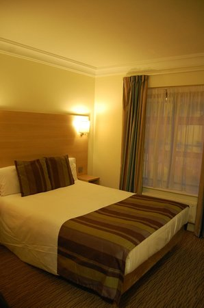 The Fleet Street Hotel: room 206