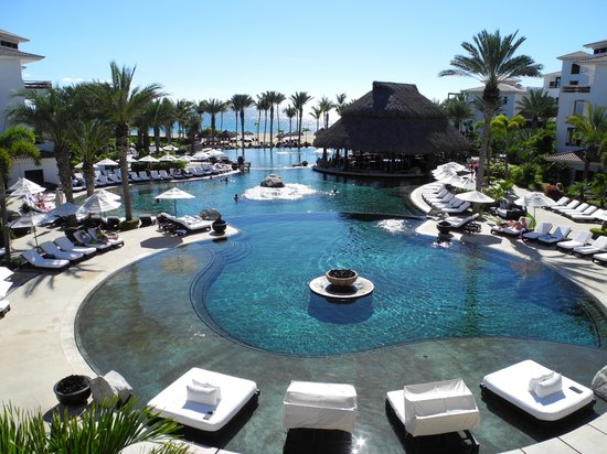 Cabo Azul Resort: Pools