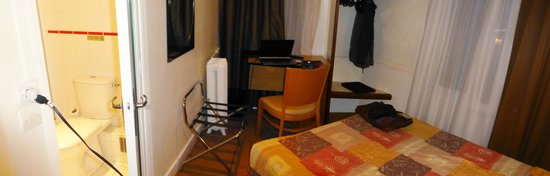 Hotel Helvetia: The room