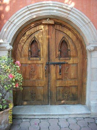 La Casa de Liza: Puerta de la habitacion