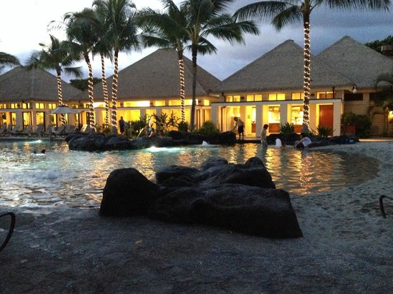 Marriott Ko Olina Beach Club : One of the pool areas (fitnessn room  located to the left)