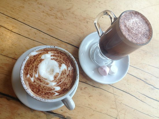 Blue Duck Cafe & Bar: Delicious coffee time at Blue duck!