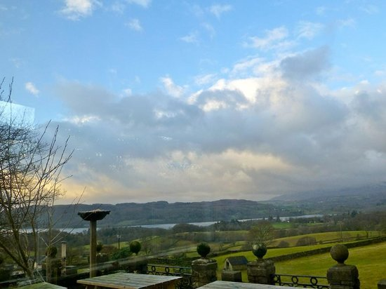 YHA Windermere: View over lake Windermere from the members kitchen/dining