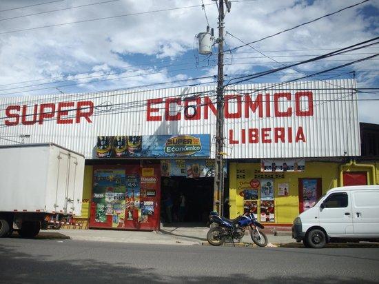 Hilton Garden Inn Liberia Airport: Grocery Store