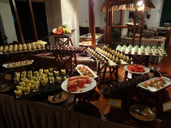 Sigiriya Village Hotel: Scrumptious desserts