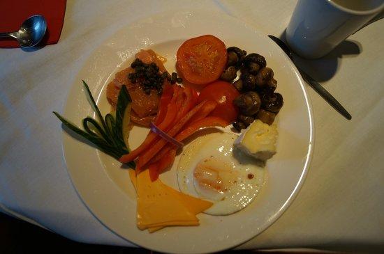 DoubleTree by Hilton Bristol South - Cadbury House: breakfast
