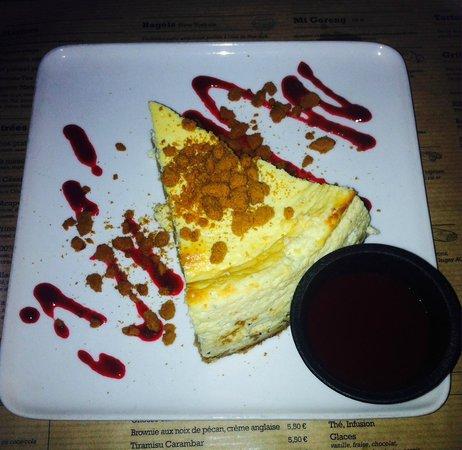 Restaurant le Mata : Cheesecake avec coulis de fruits rouge