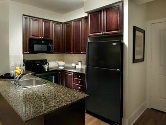Pelican Suites: Upgraded Kitchens