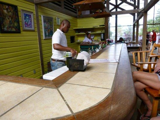The Resort at Palmetto Bay: The bar