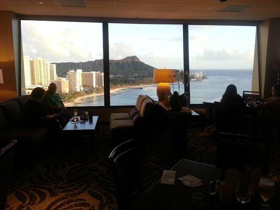 Sheraton Waikiki : View From Club Lounge.