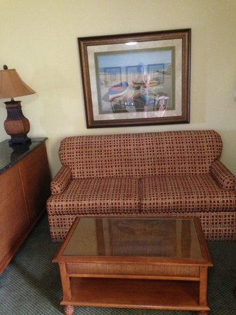 Sandpiper Gulf Resort: Sitting area, pull out bed