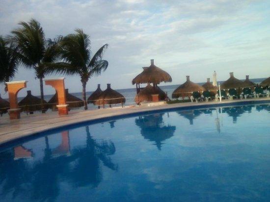 Occidental Cozumel: Occidental Pool grounds