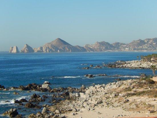 Hacienda Encantada Resort & Residences: The advertised Golden Beach ... full of huge rocks