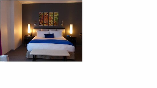 Gansevoort Park Avenue NYC: King size bed
