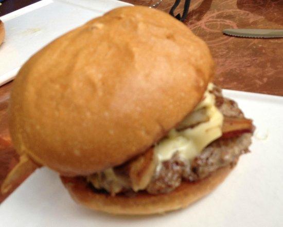 Apocalypse Now Burger Bild Von Nosh Kitchen Bar Portland Tripadvisor